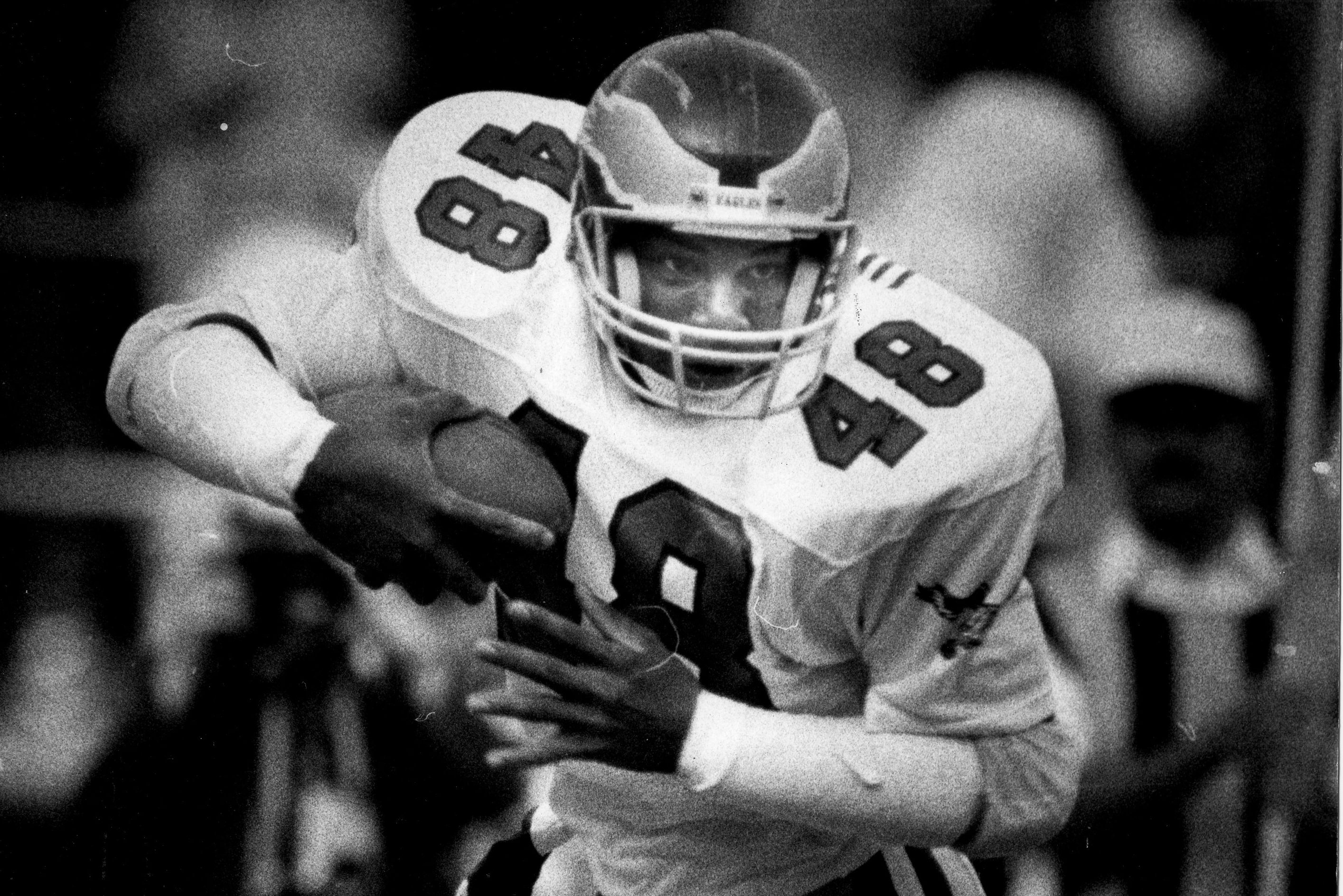 Eagles great Wes Hopkins has died at age 57