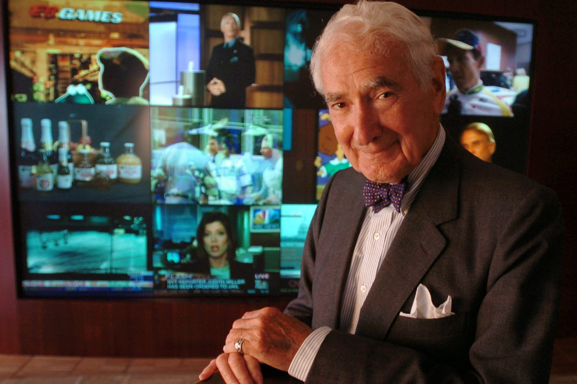 Comcast co-founder says Ralph Roberts had an 'iron fist in a ... on