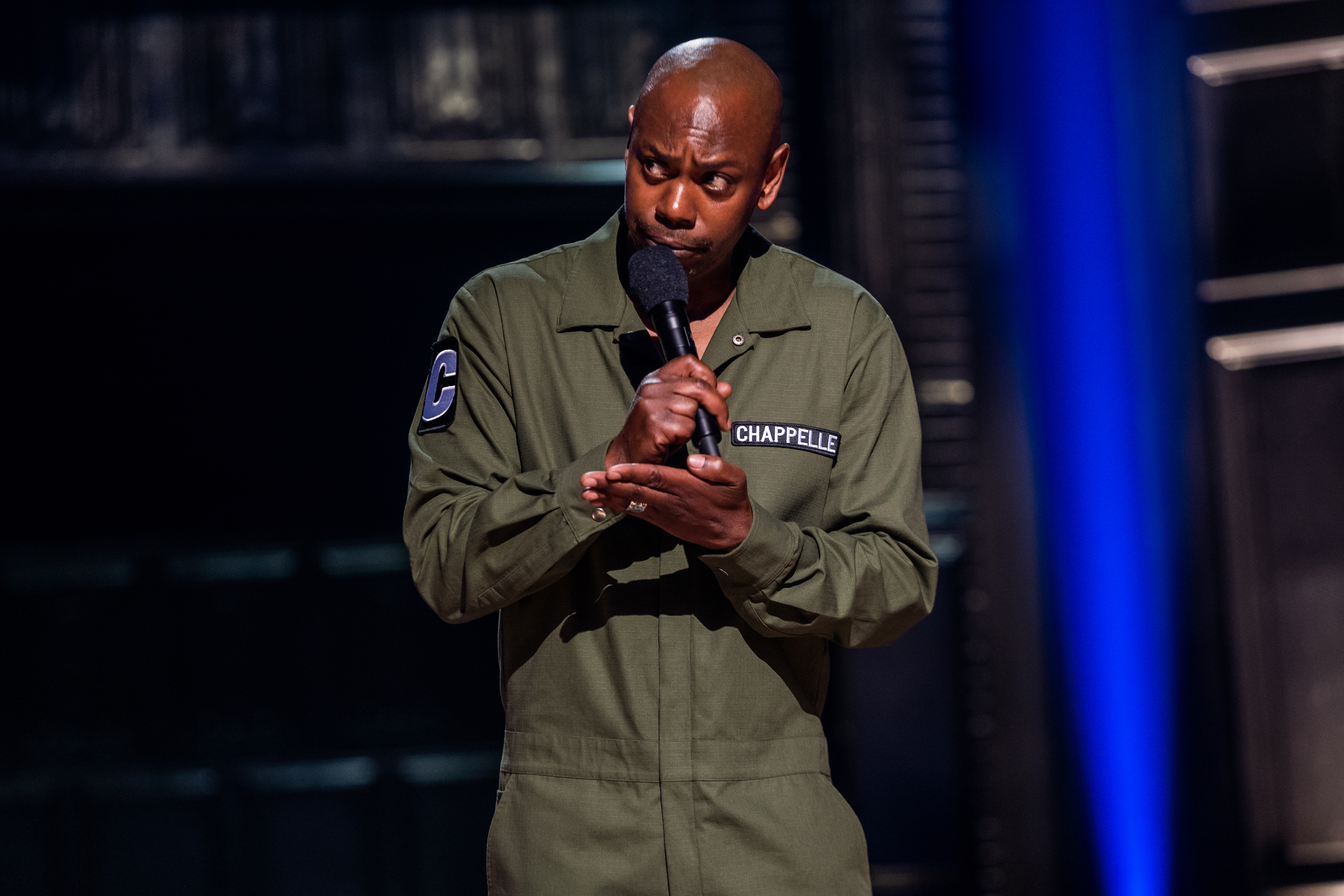 dave chappelle defends kevin hart in controversial new netflix comedy special sticks stones https www inquirer com entertainment tv dave chappelle netflix comedy kevin hart louis ck michael jackson 20190828 html