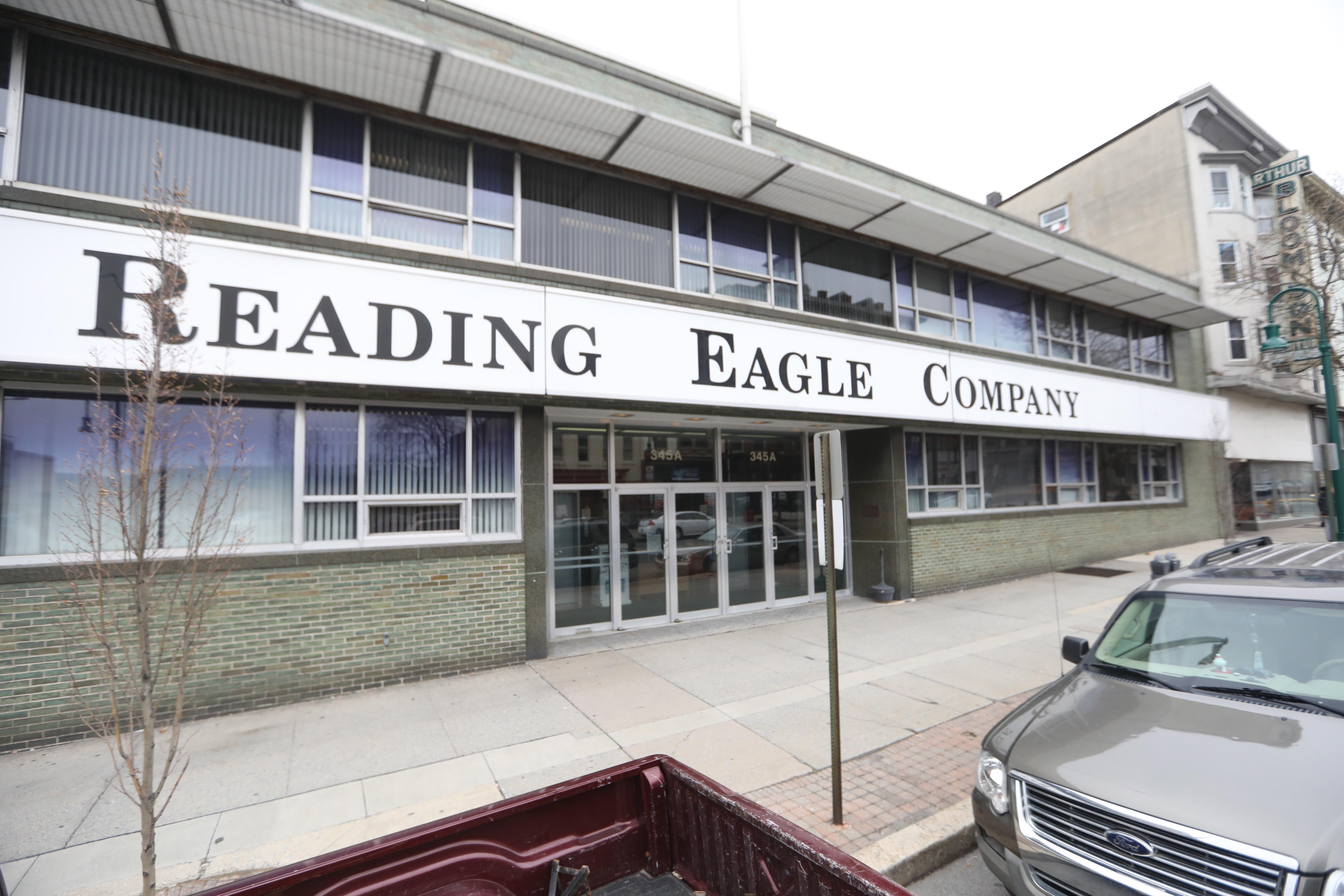 philly.com - Bob Fernandez - Cost-slashing Digital First Media to buy bankrupt Reading Eagle; Deep job cuts expected
