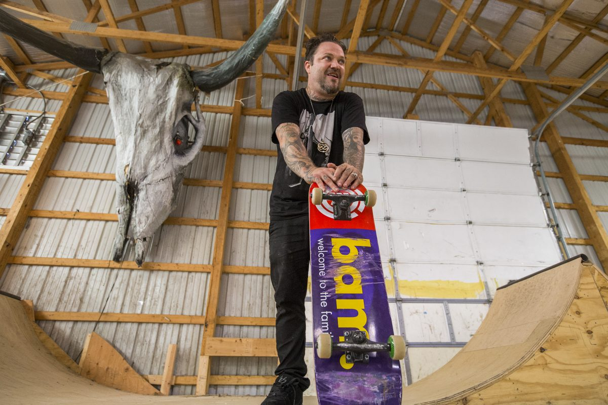 NEW 2020 Bam Margera Hearta/'Fam Skateboard Deck Family 3 Hearts Purple