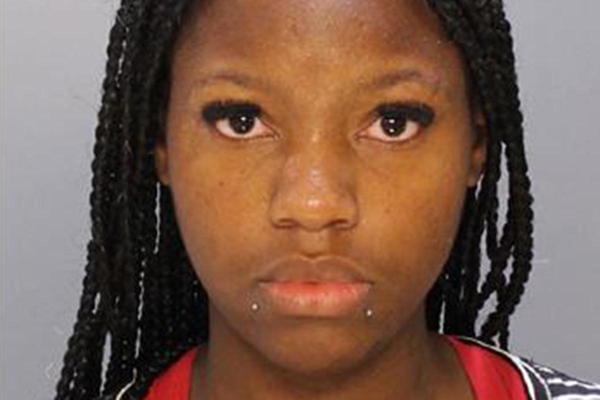 Cops: Mom in custody after fleeing arrest, ditching daughter
