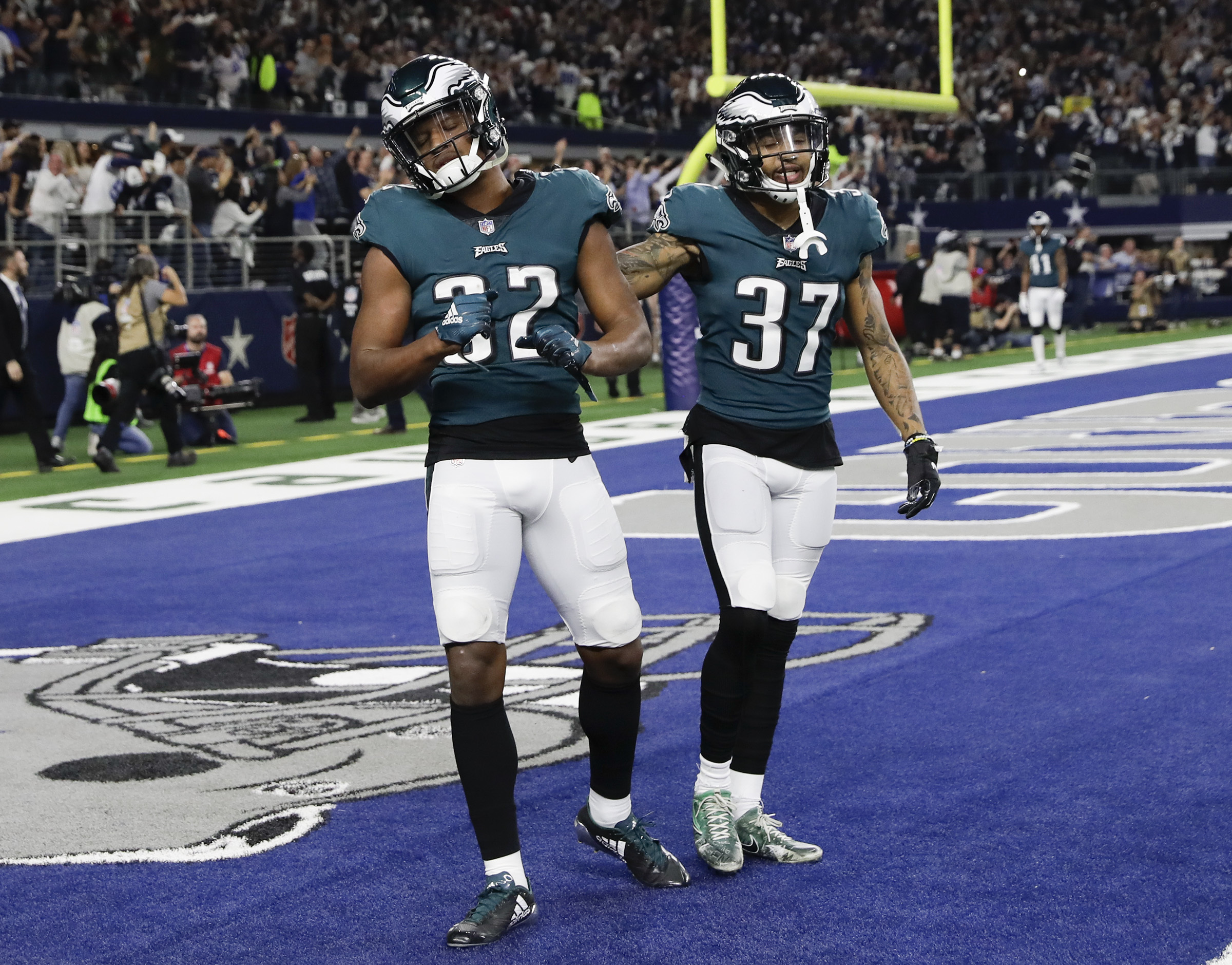 purchase cheap 7d233 d08a3 Eagles vets missing OTAs means first-team work for hungry ...